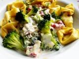 Špecle s brokolicí a nivou recept
