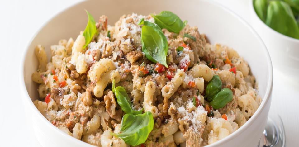 Těstoviny s paprikovo-ořechovým pestem