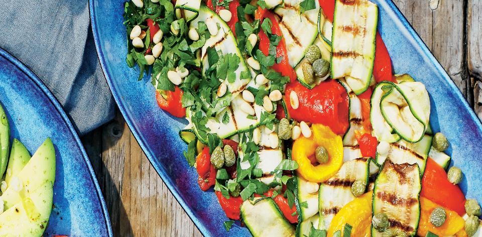 Salát z grilovaných cuket a paprik