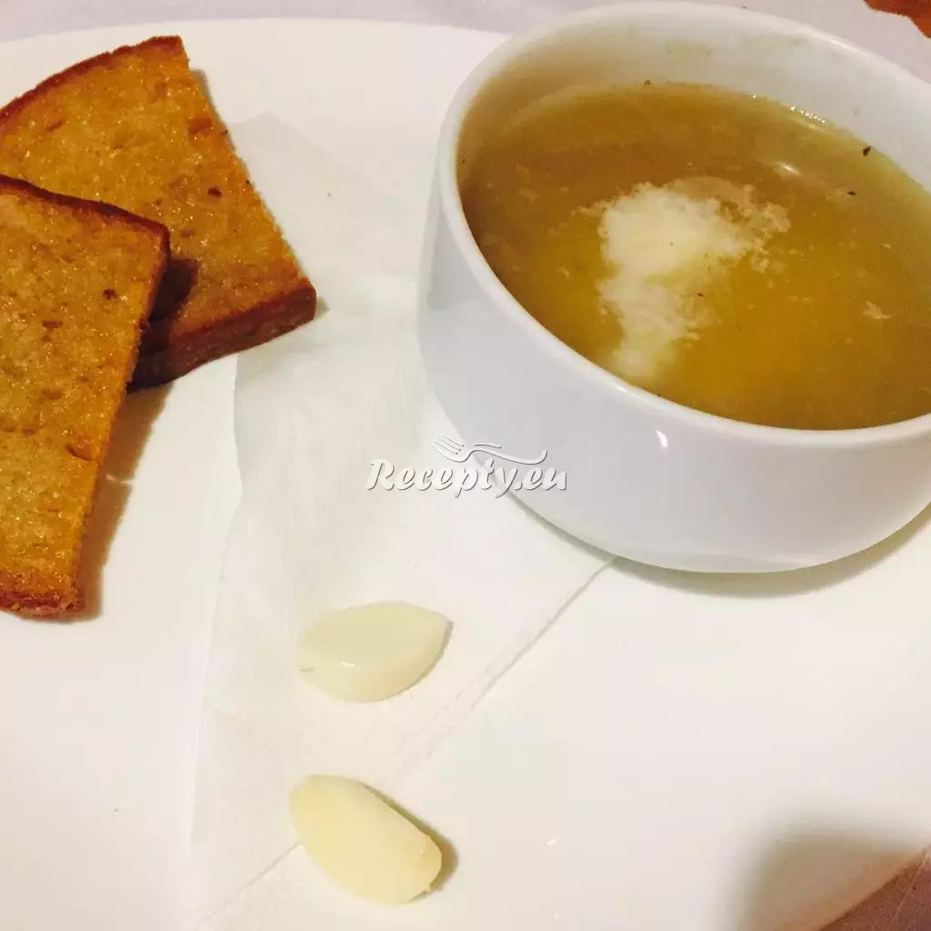 Francouzská česnečka recept  polévky