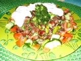 Bobový salát s arašidovým máslem recept