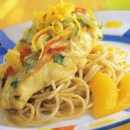 Celozrnné špagety s kuřecím a pomeranči recept