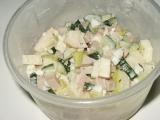 Okurkový salát s jablky recept