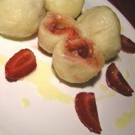 Jahodové knedlíky s mandlemi recept