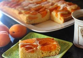 Expresní meruňková bublanina se smetanou recept