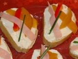 Lehké chlebíčky s ovocem recept