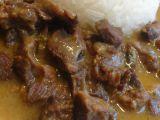 Nudličky z hovězích líček na cibuli recept