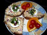 Šmakounova pomazánka s bylinkami a sardinkami recept ...