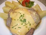 Krkovička se šunkou, sýrem a tvarůžky recept