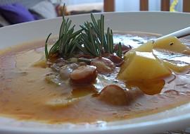 Gulášový mix z brambor, paprik a výborné uzeniny recept ...