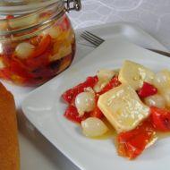 Nakládaný aromatický sýr v pikantním oleji recept