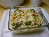 Brokolice zapečená s oříšky a směsí sýrů recept