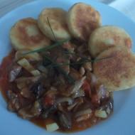 Vepřové nudličky na zelenině se smaženými knedlíky recept ...