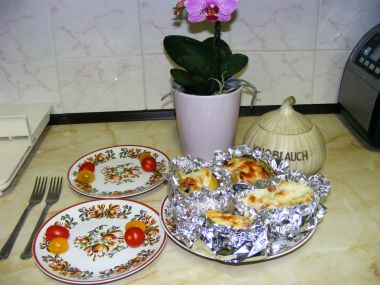 Lahůdkové brambory v alobalu.