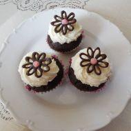 Čokoládové muffiny se smetanovým krémem recept