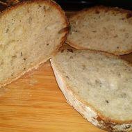 Pšenično-žitný kváskový ošatkový chléb s kombinovaným kynutím ...