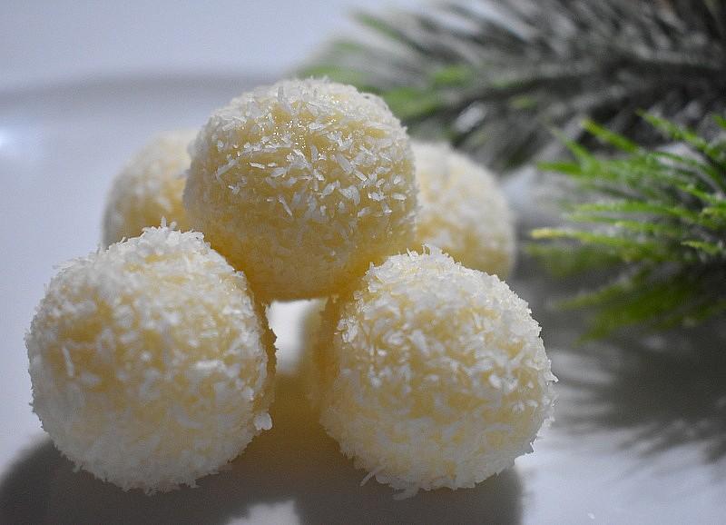 Kokosové kuličky s bílou čokoládou recept