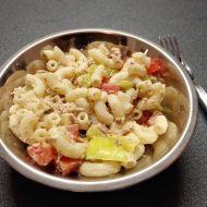 Těstovinový salát se zeleninou a zálivkou recept