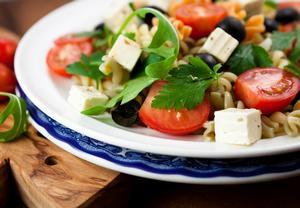 Řecký těstovinový salát
