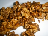 Karamelové oříšky v sezamu recept