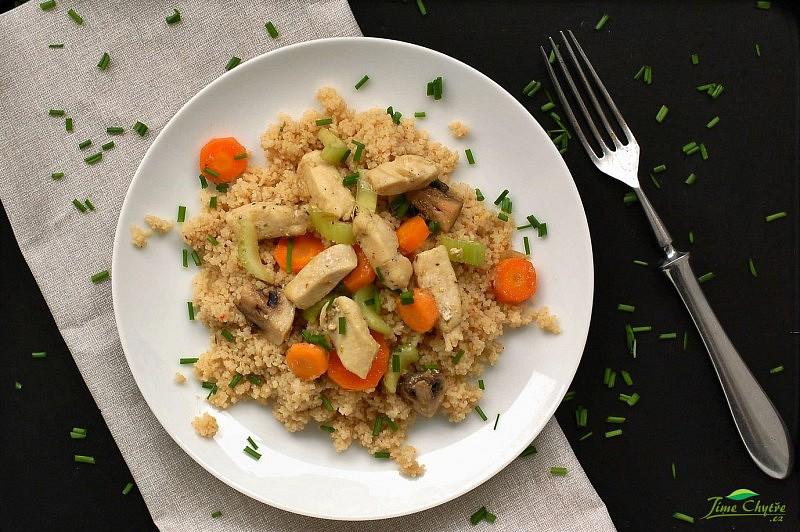 Kuřecí prsa se zeleninou a kuskusem recept