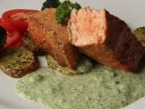 Zauzený losos s brokolicovou omáčkou recept