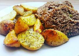 Hovězí sekaná s cuketou a jarní cibulkou recept