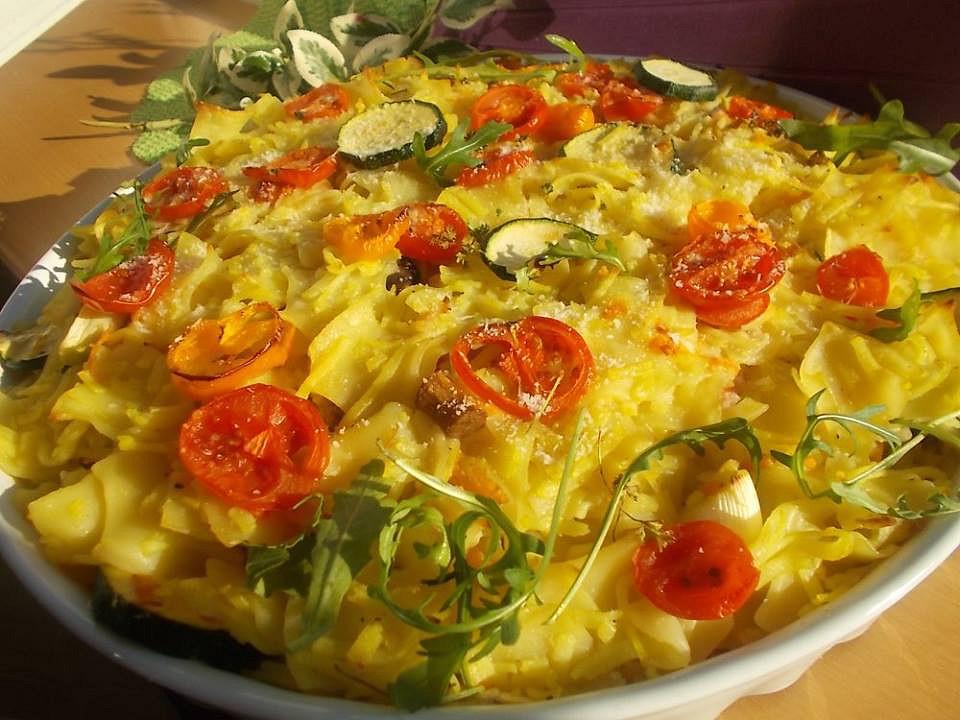 Zapečené těstoviny s rajčaty, cuketou a mrkví recept