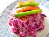 Červený salát s uzeným kaprem a zeleninovými špagetami recept ...