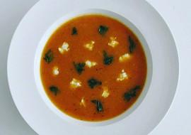 Rajčatová polévka s pohankou a cuketou recept