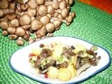 Bramborový salát s miniváclavkami recept
