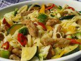 Vepřové nudličky s nudlemi a zeleninou recept