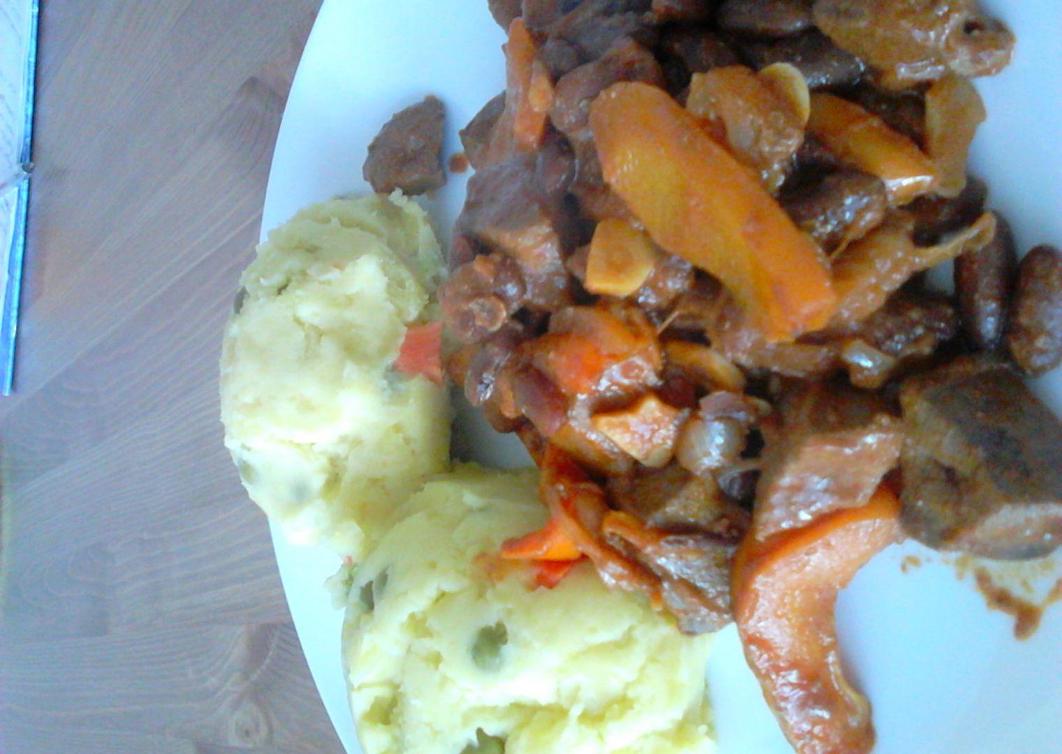 Vepřová játra se zeleninou a bramborovou mozaikou recept ...
