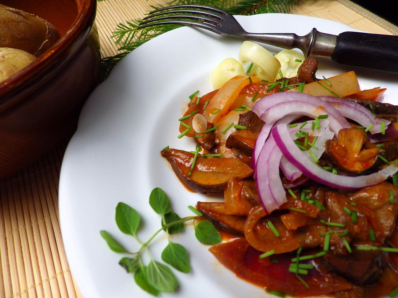 Pikantní houbové ragú s oreganem recept