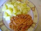Mleté maso dušené s rajčatya vejci recept