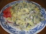 Těstoviny s pórkem a žampiony recept