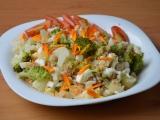Brokolice s květákem, vejci a tvarůžky recept