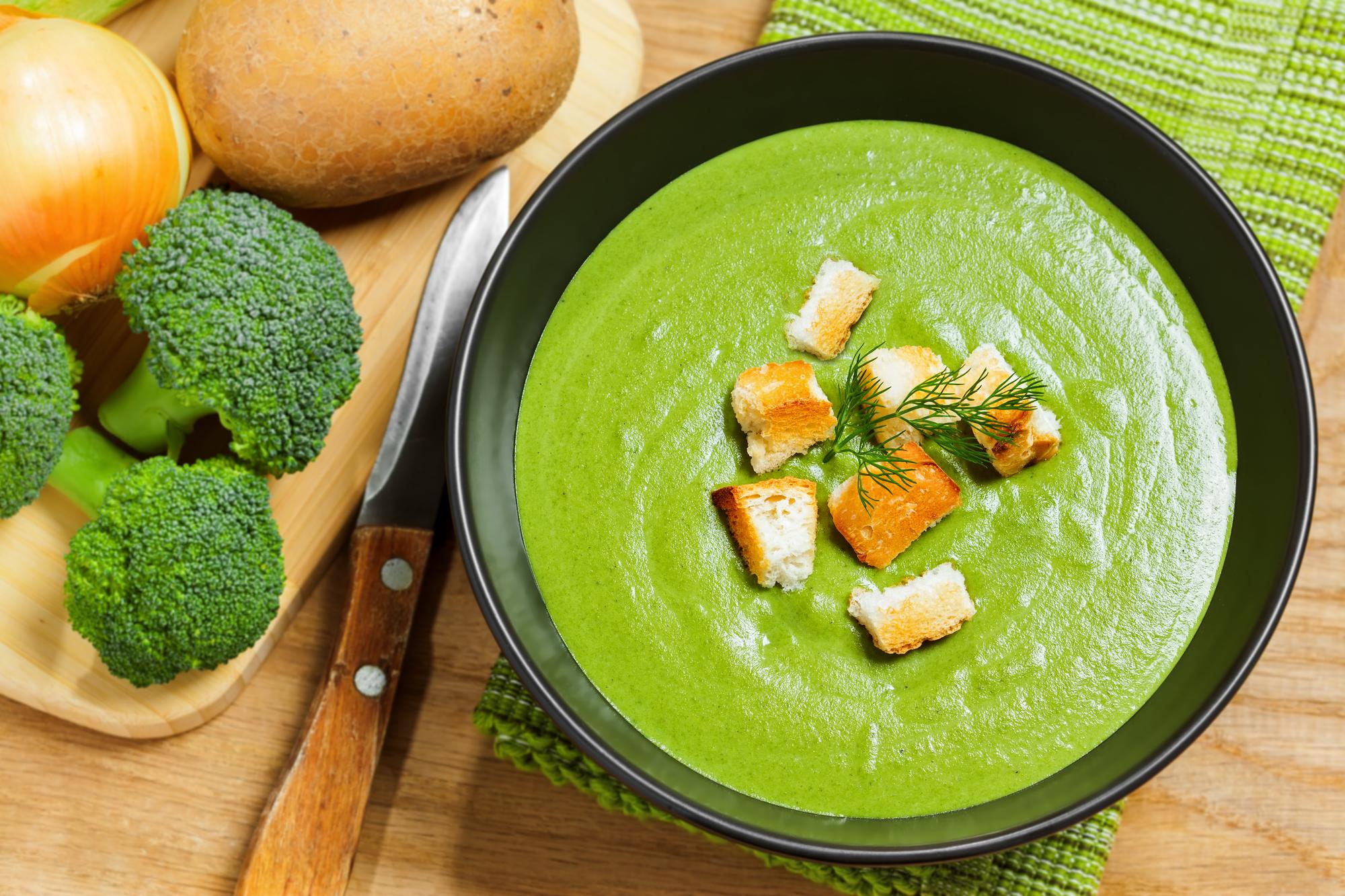Brokolicová polévka se smetanou recept