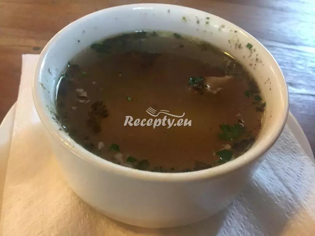Kroupová polévka se sušenými houbami recept  polévky