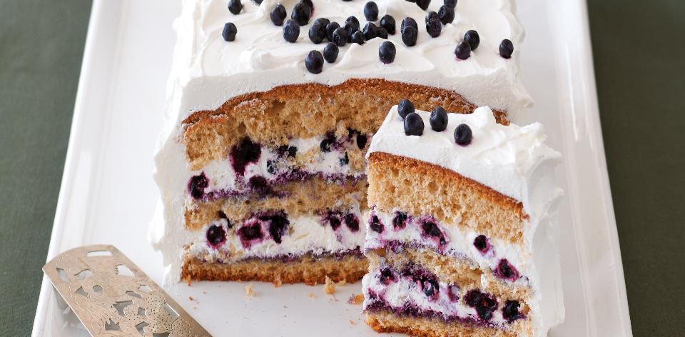 Norský borůvkový koláč se šlehačkou