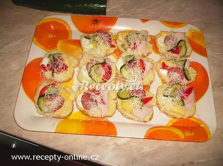 Chlebíčky s pomazánkou z nivy recept  pomazánky