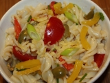 Pestrý těstovinový salát recept
