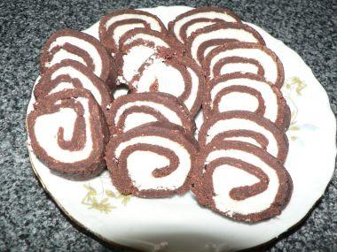 Kokosová roláda ze sušenek