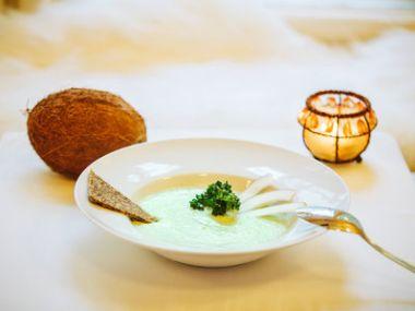 Ostrá kokosová polévka