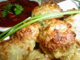 Kuličky z mletého masa, cukety a sýra s pikantní omáčkou recept ...