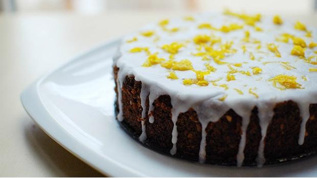 Mrkvový dort s citronovou polevou