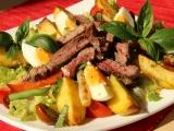 Salát s grilovaným hovězím recept
