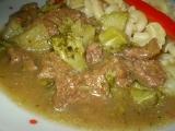 Hovězí nudličky s brokolicí a zázvorem recept