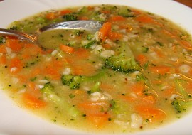 Vydatná mrkvová polévka s vločkami  i pro nejmenší recept ...
