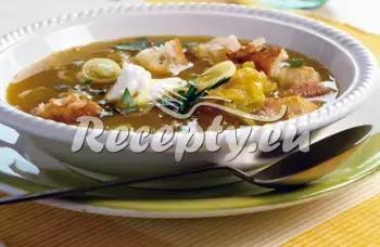 Krémová houbová polévka s fazolemi recept  polévky
